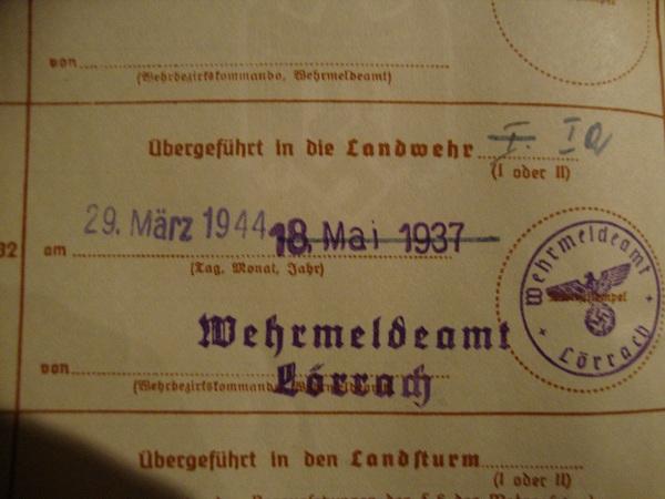 Traduction militarpass et wehrpass d'un suisse ayant combattu pour les allemands Dsc02076vk