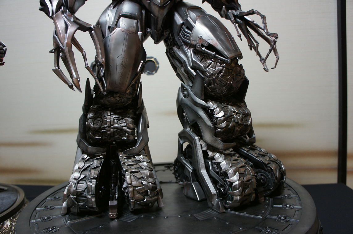 [Prime1Studio] Transformers: Revenge of The Fallen: Megatron Polystone Statue - Página 2 Wtae