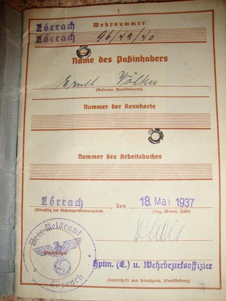 Traduction militarpass et wehrpass d'un suisse ayant combattu pour les allemands Dsc02064am