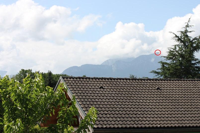 2013: le 22/06 à 22h29 - Boules lumineuses en file indienne - scientrier - Haute-Savoie (dép.74) - Page 4 Dwgx