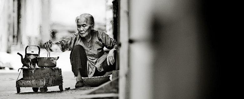Sắc thái đối nghịch của phụ nữ Việt Ro0