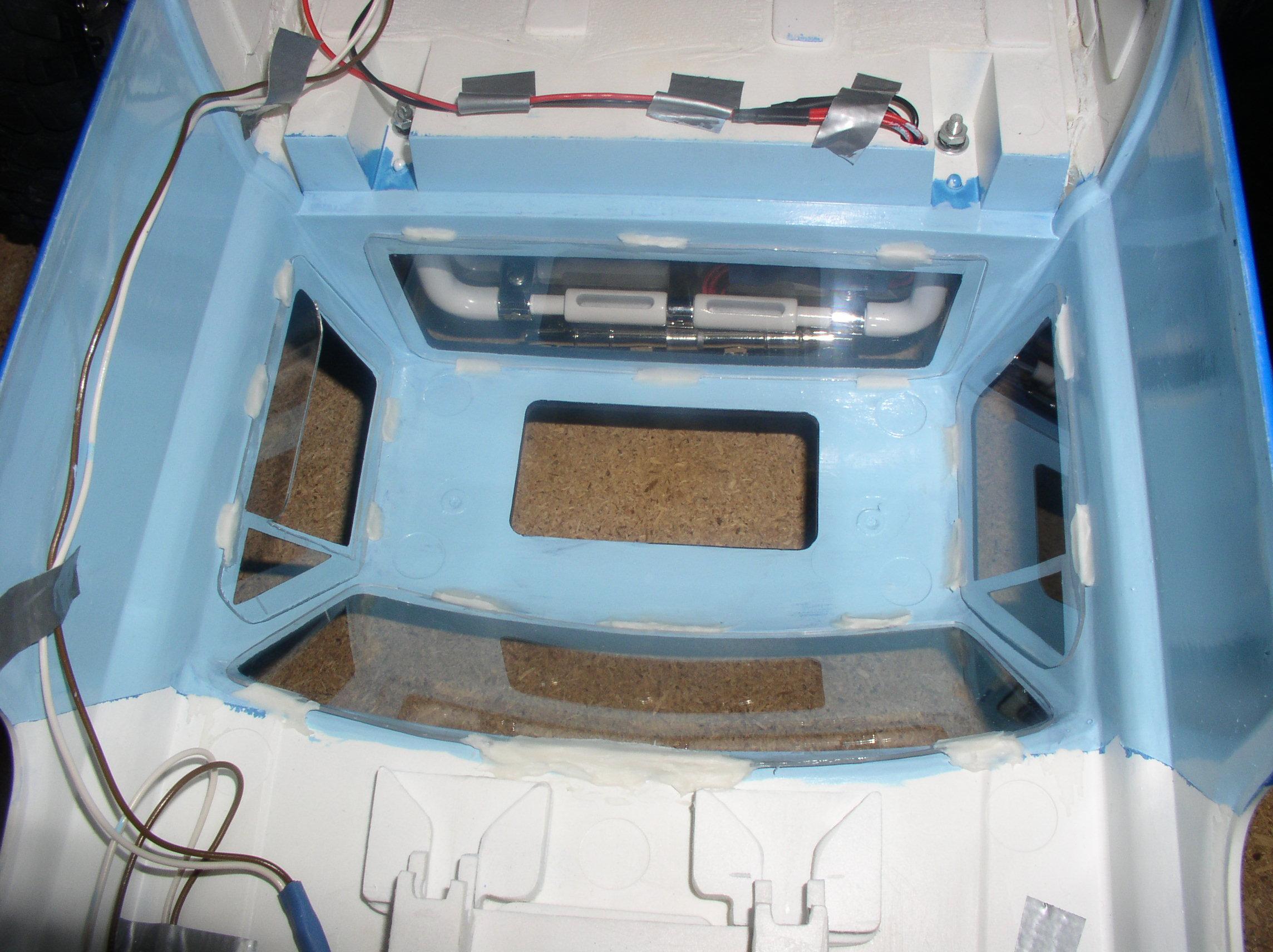 Mon Chevrolet K5, benne rallongée  (châssis SCX10)  Fixationsvitres