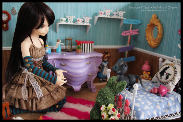 Dollhouse et Diorama de Chiisa - Photos diorama Alice (p7) - Page 7 CKcFX7