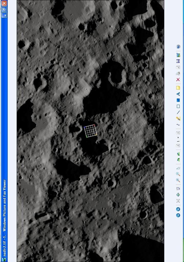 Des ovnis sur la Lune ? - Page 2 EyWycu