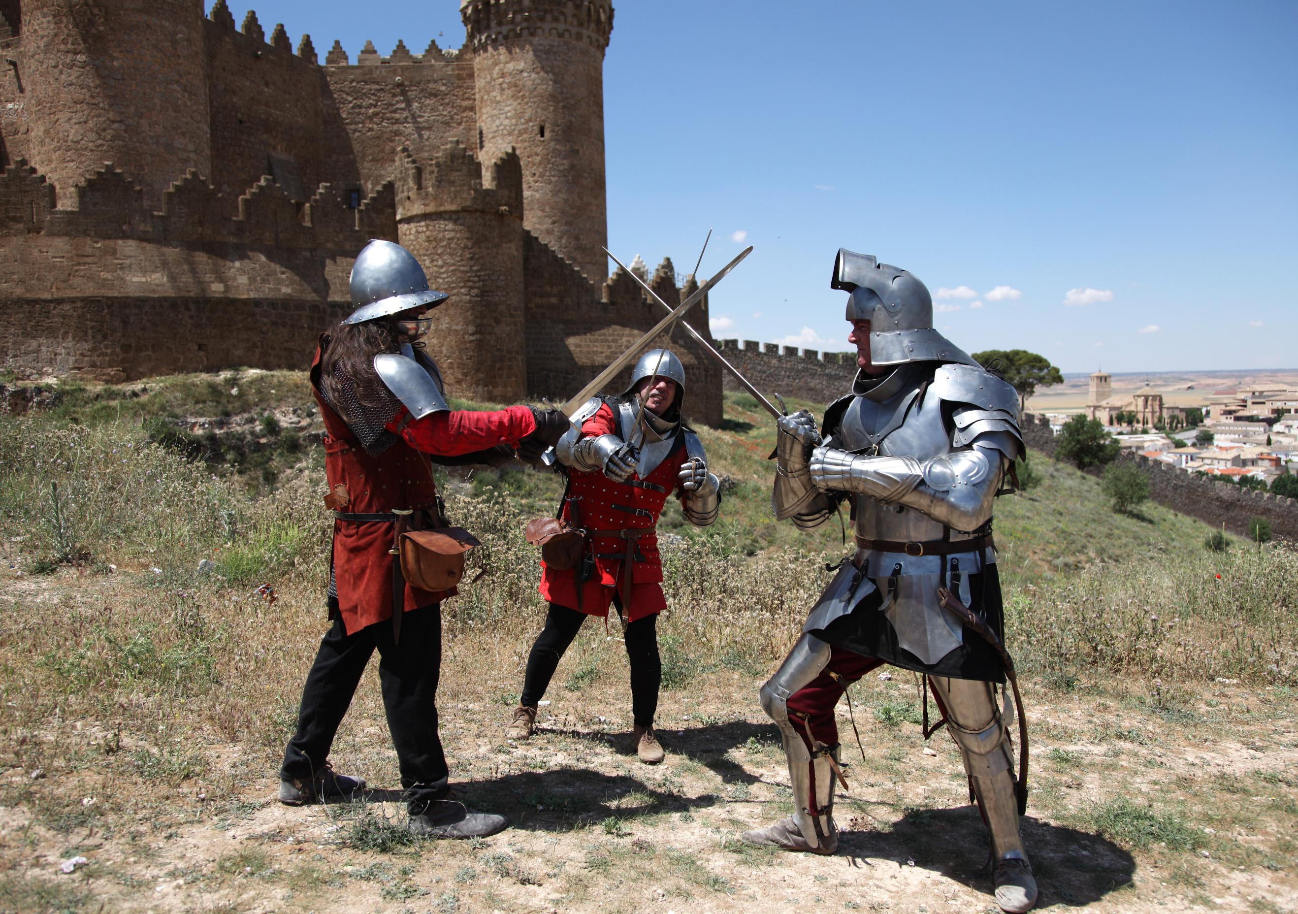 V Jornadas de Recreación Histórica con la Guerra de Sucesión Castellana (1475) Castillo de Belmonte UEEzXt