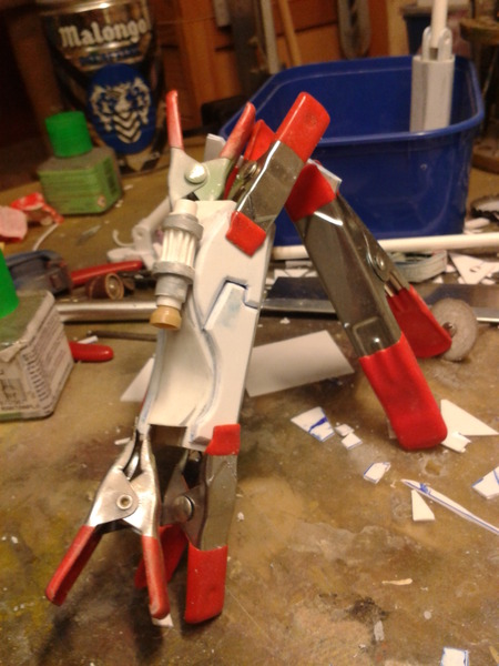 Full Scratch Robot de combat de type Gundam ....... up du 08/01/15... AKqVor