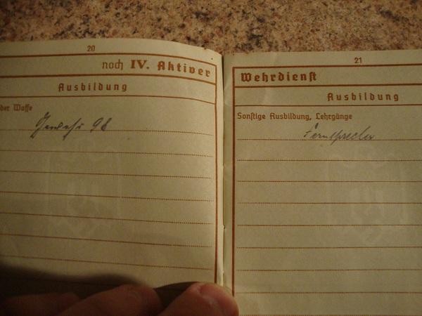 Traduction militarpass et wehrpass d'un suisse ayant combattu pour les allemands Dsc02070q