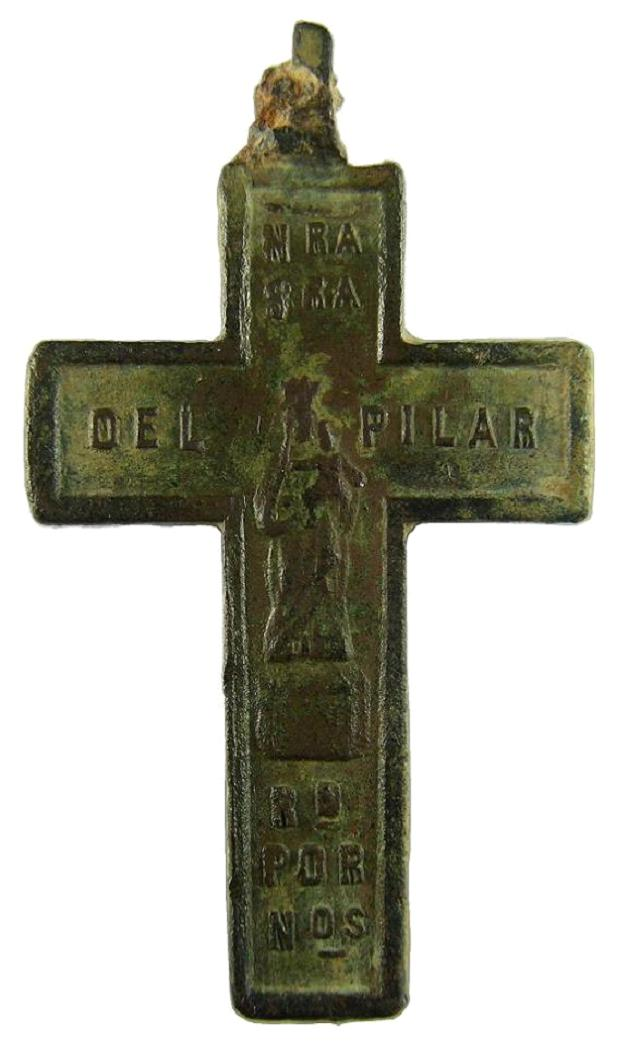 Cruz plana pectoral bifaz: Cristo crucificado / VIRGEN DEL PILAR. Siglo ? 3cruzbifazcrucifvirgend