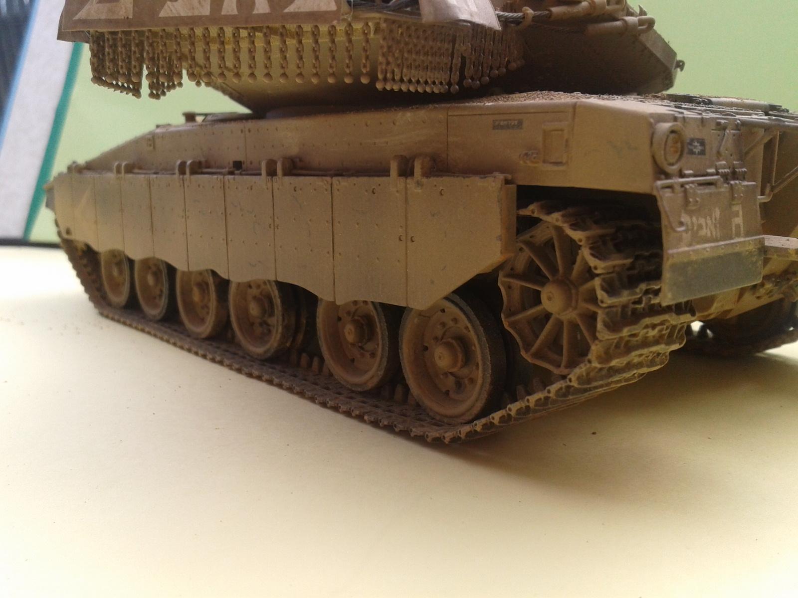 IDF MERKAVA MK.3D EARLY au 1/35 By Meng.....Terminer !!!! et sur son dio.... - Page 2 20130402175318