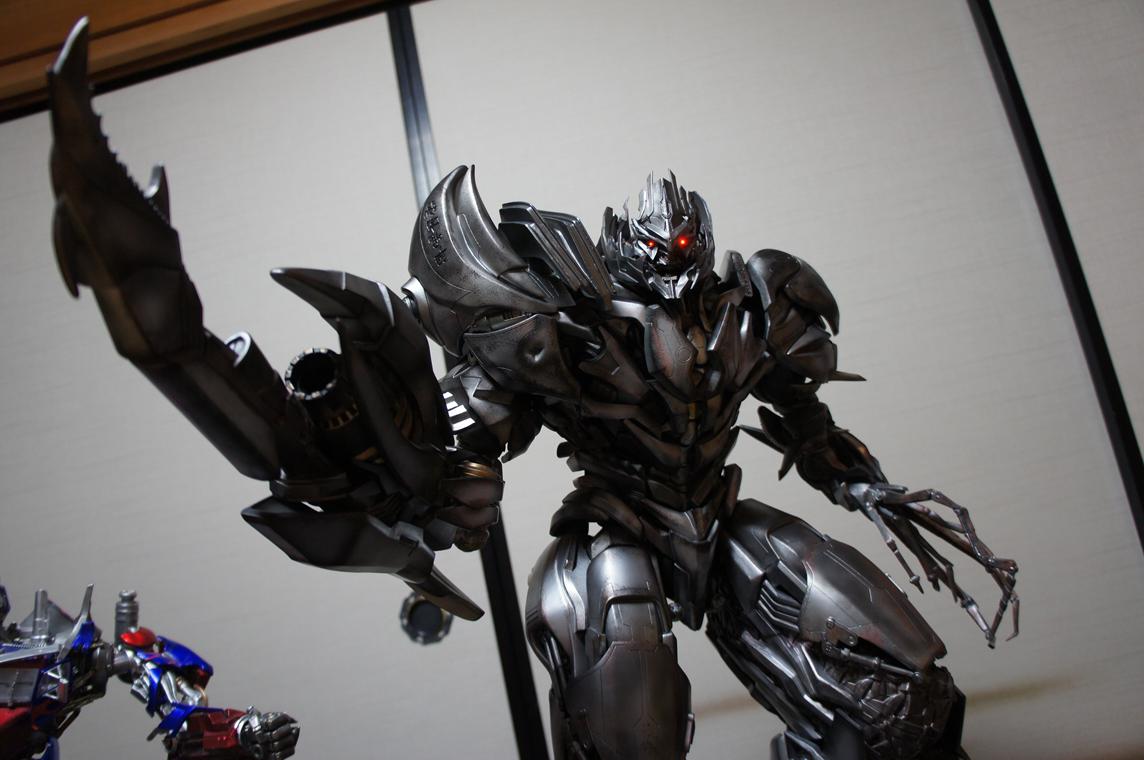 [Prime1Studio] Transformers: Revenge of The Fallen: Megatron Polystone Statue - Página 2 Zer6