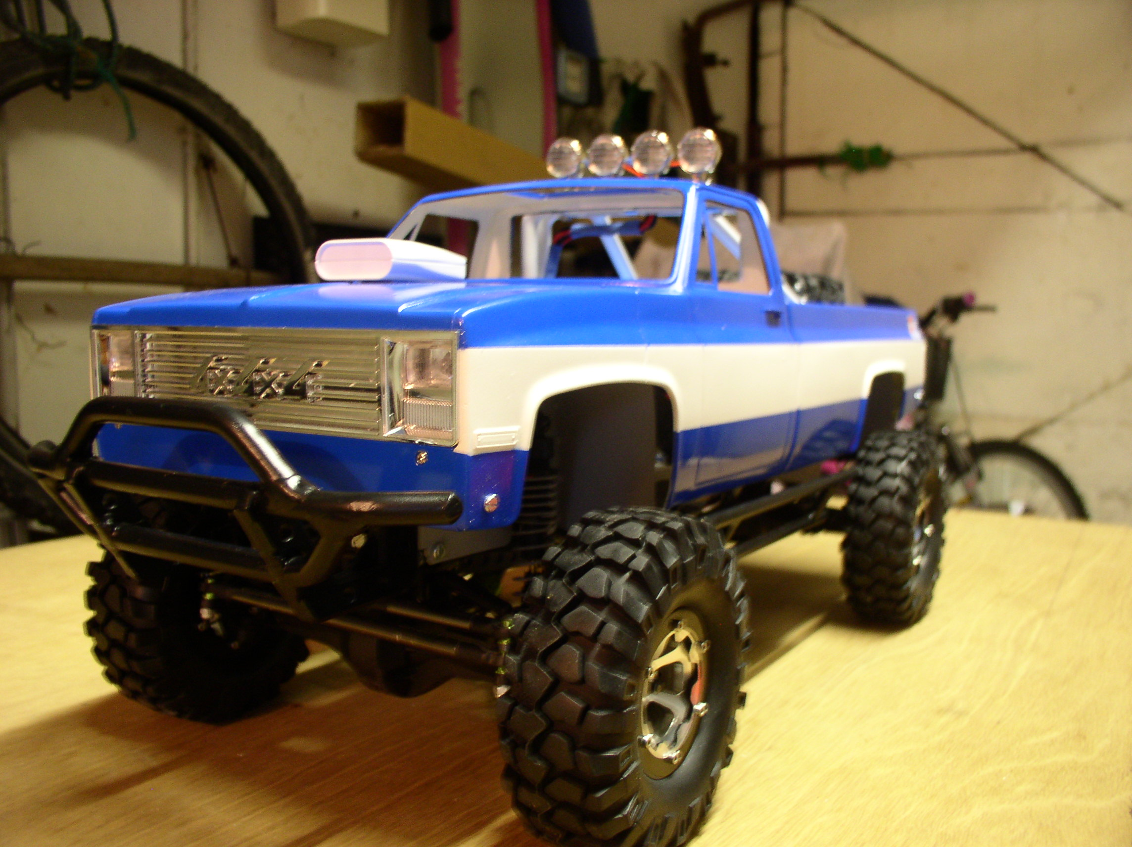 Mon Chevrolet K5, benne rallongée  (châssis SCX10)  01081j