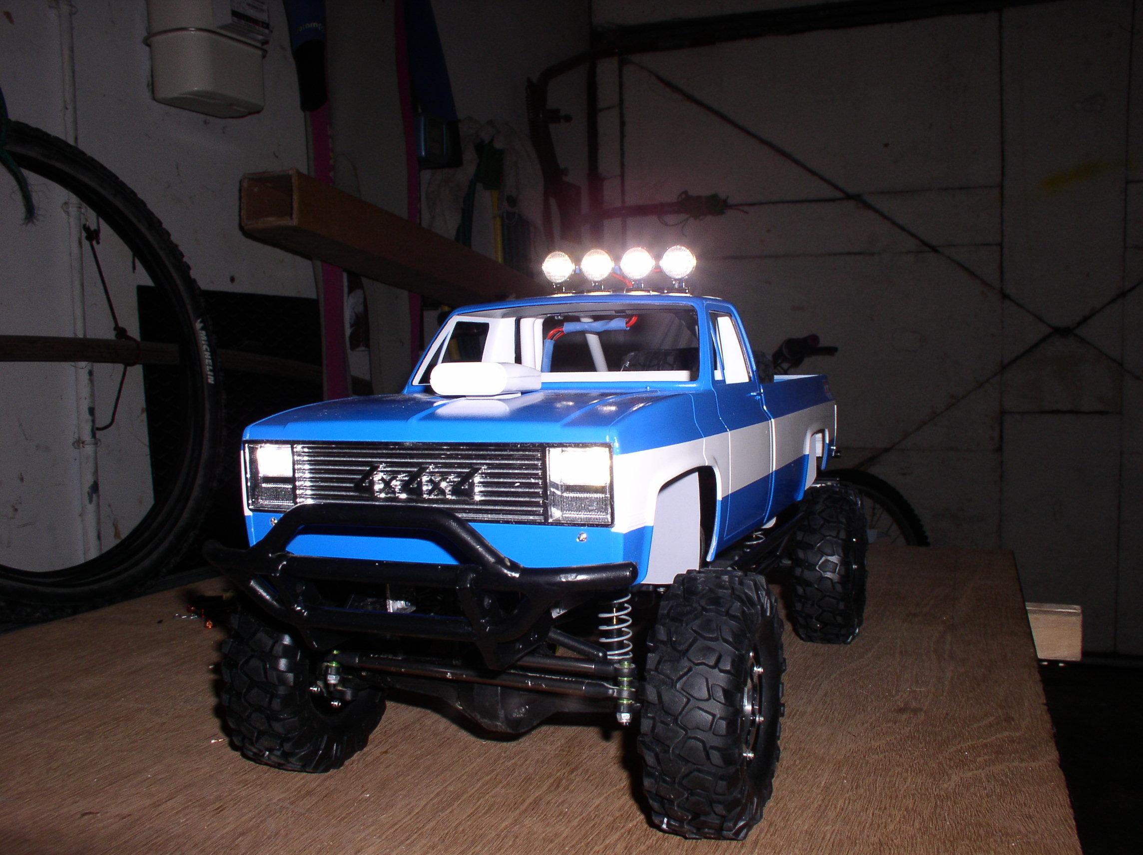 Mon Chevrolet K5, benne rallongée  (châssis SCX10)  01083y