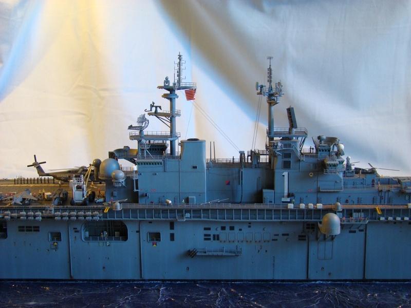 USS WASP LHD-1 1/350 Revell  Dsc09178g