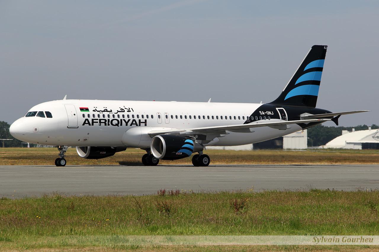 Airbus A320-214 Afriqiyah Airways 5A-ONJ le 15.07.13 J6y3