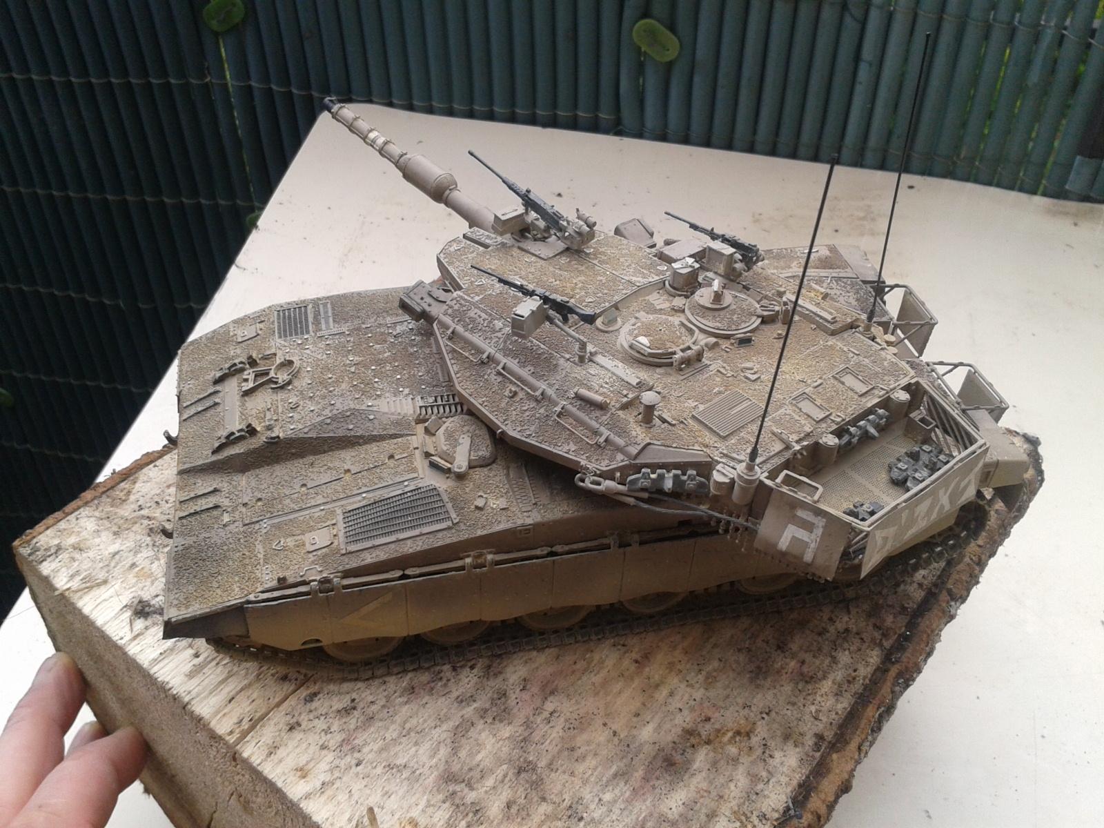 IDF MERKAVA MK.3D EARLY au 1/35 By Meng.....Terminer !!!! et sur son dio.... - Page 2 20130402175545