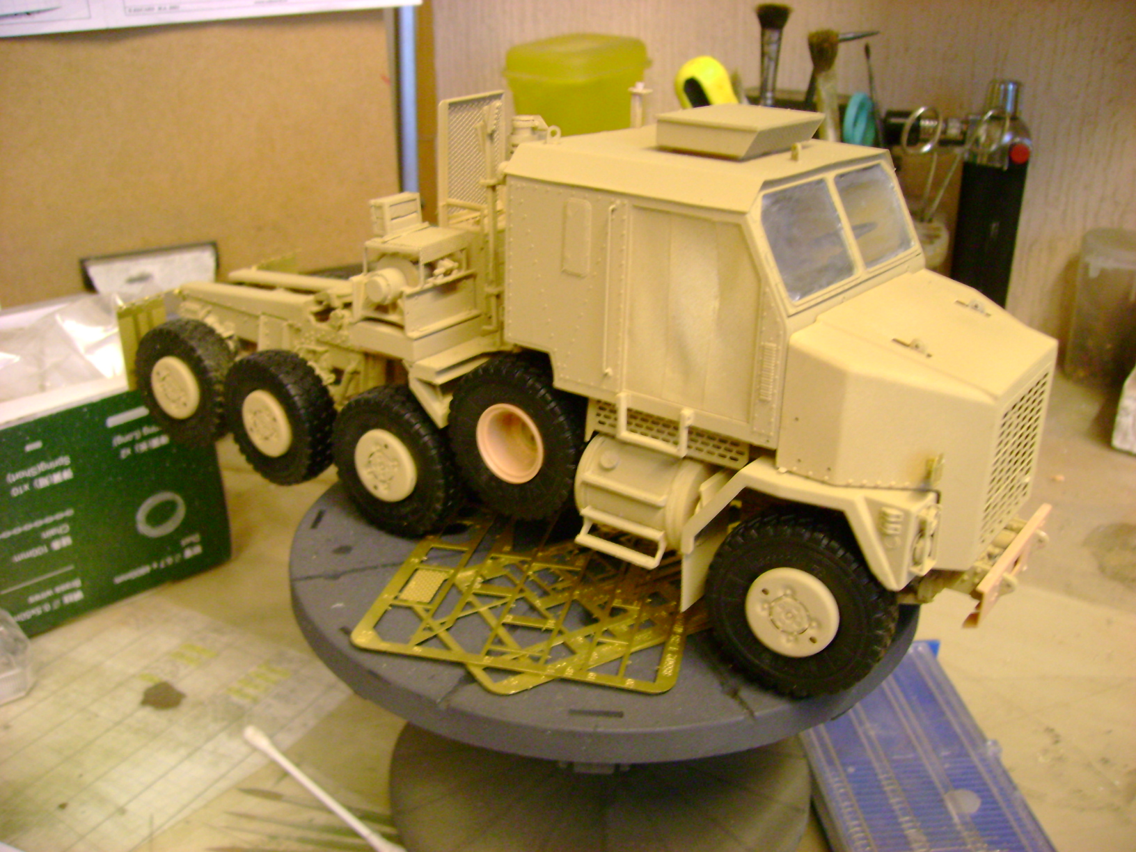 M1070 Truck Tractor & M1000 Semi-Trailer By T-bird!!!!! 1/35 Hobby Boss.Up du01/02.... - Page 4 116bs