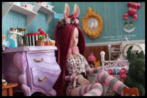 Dollhouse et Diorama de Chiisa - Photos diorama Alice (p7) - Page 7 H1JHP2