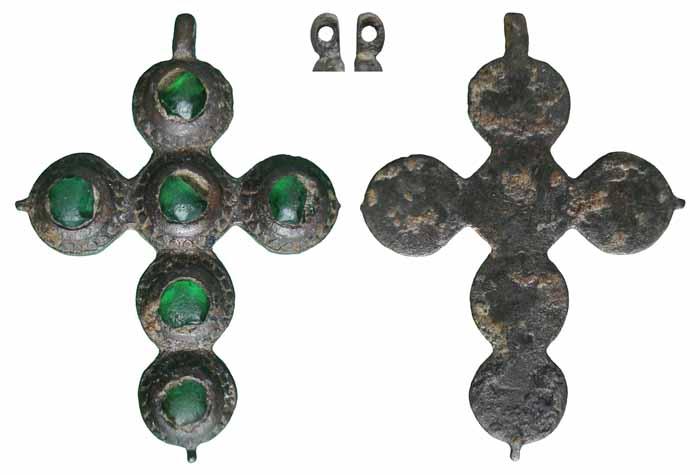 Cruz con cristales verdes - CC051 Cc051a
