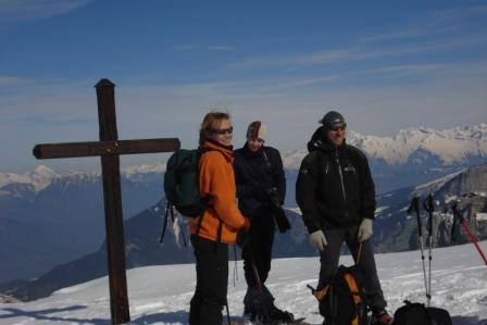 2013: le 22/06 à 22h29 - Boules lumineuses en file indienne - scientrier - Haute-Savoie (dép.74) - Page 4 D9xi