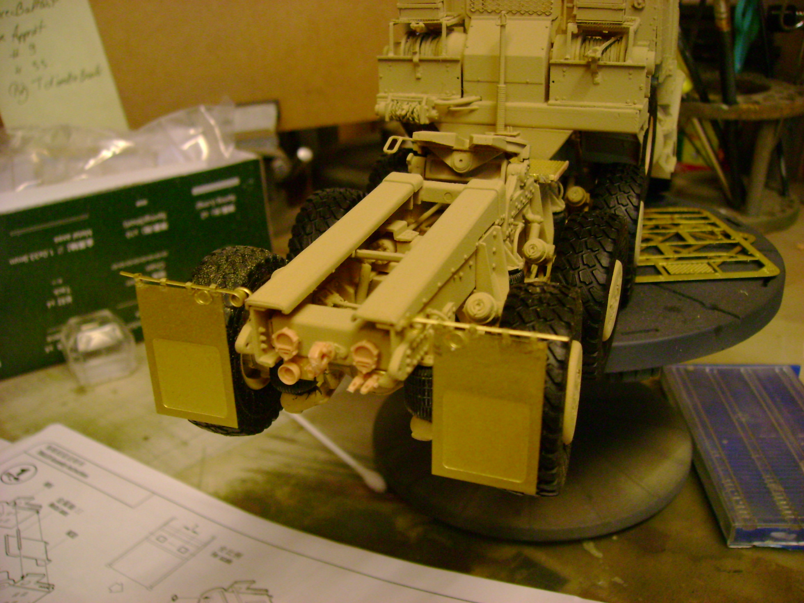 M1070 Truck Tractor & M1000 Semi-Trailer By T-bird!!!!! 1/35 Hobby Boss.Up du01/02.... - Page 4 114mms