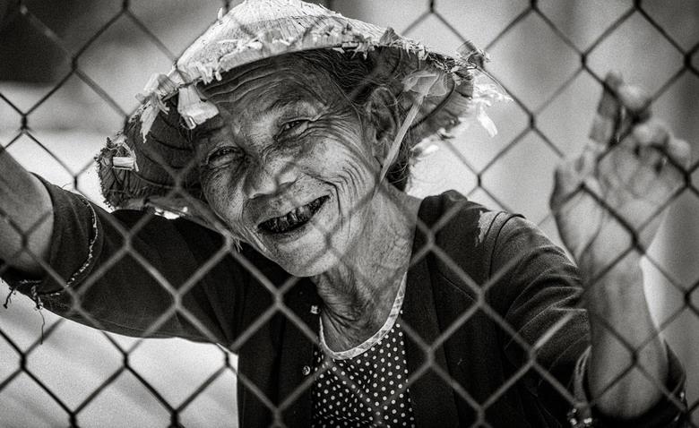 Sắc thái đối nghịch của phụ nữ Việt Zk21