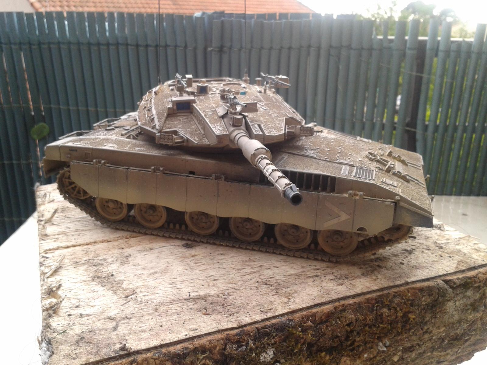 IDF MERKAVA MK.3D EARLY au 1/35 By Meng.....Terminer !!!! et sur son dio.... - Page 2 20130402175501