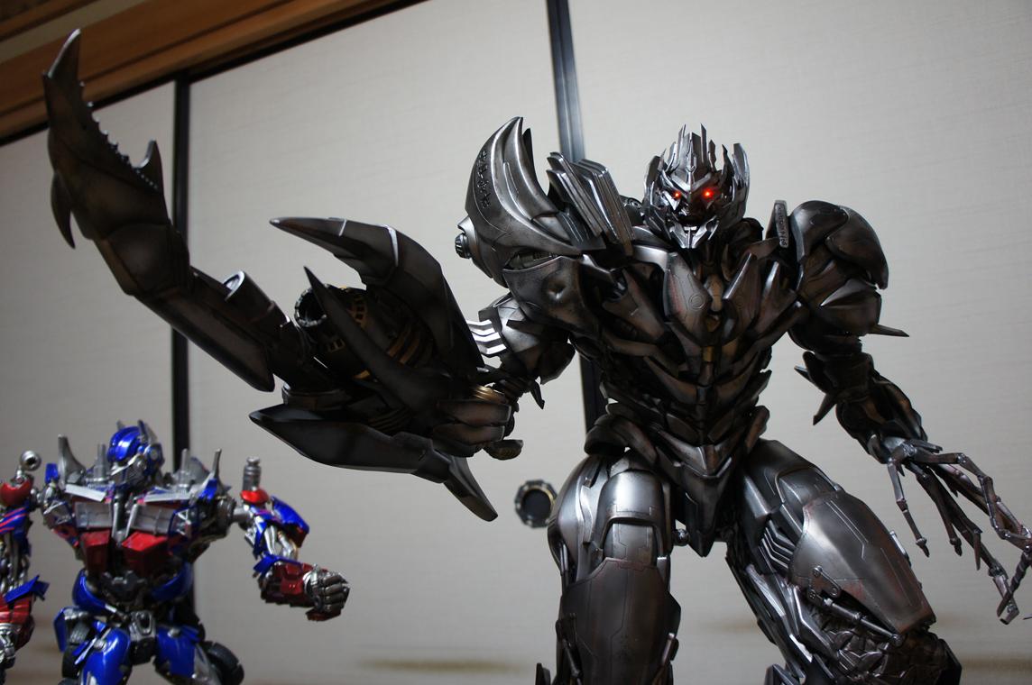 [Prime1Studio] Transformers: Revenge of The Fallen: Megatron Polystone Statue - Página 2 Kdej