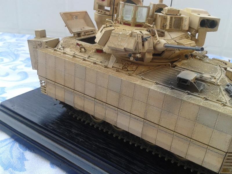 Bradleys M2A3 w/Busk III Meng 1/35 by T-Bird....Terminer !!!!! 6pg0