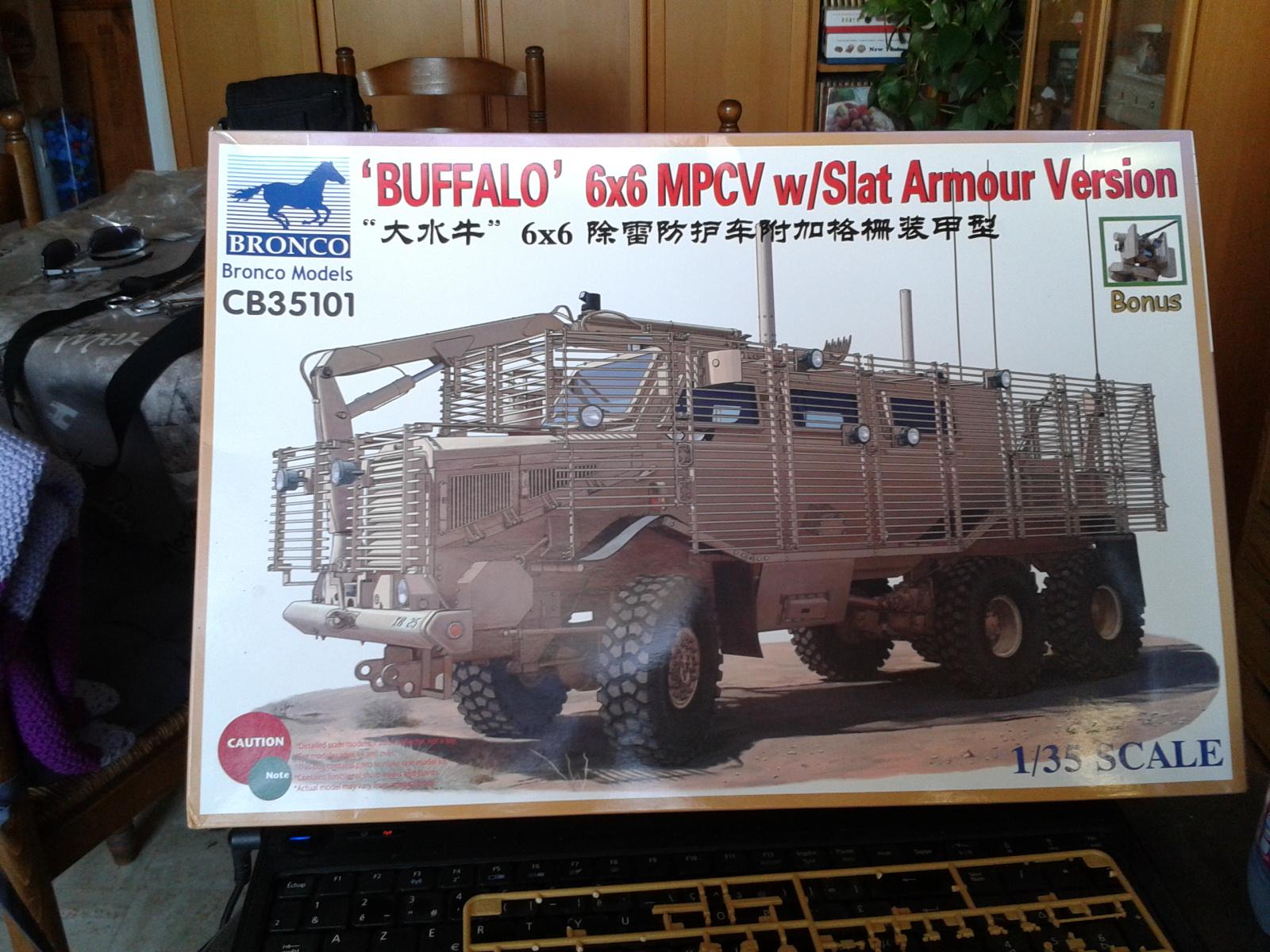 Buffalo MPCV w/slat armor Bronco au 1/35..... O0wlh