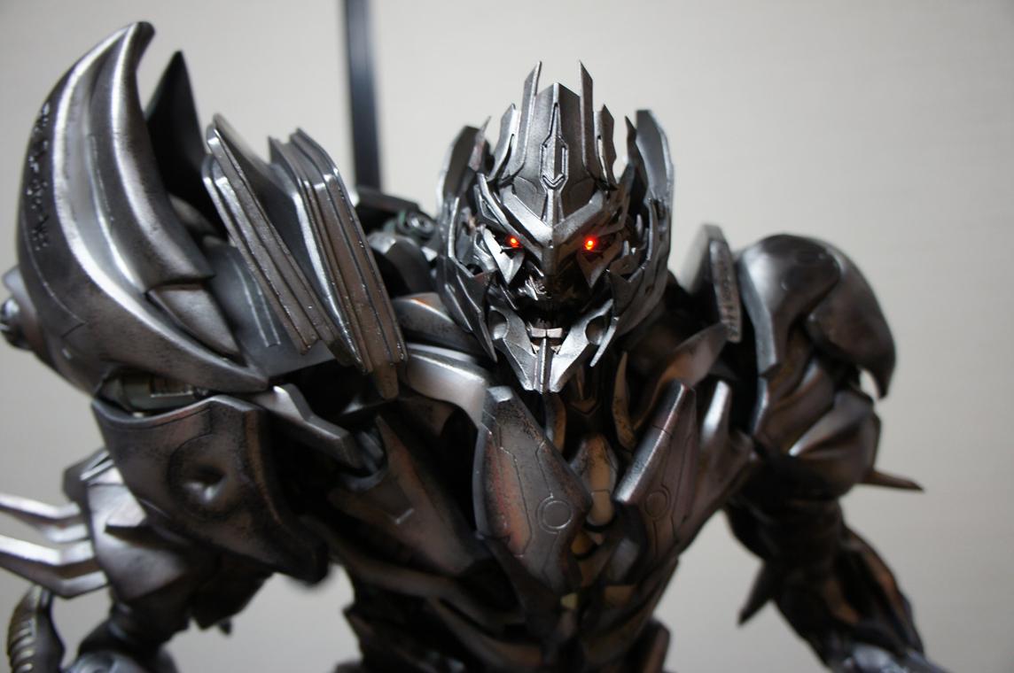 [Prime1Studio] Transformers: Revenge of The Fallen: Megatron Polystone Statue - Página 2 3bji