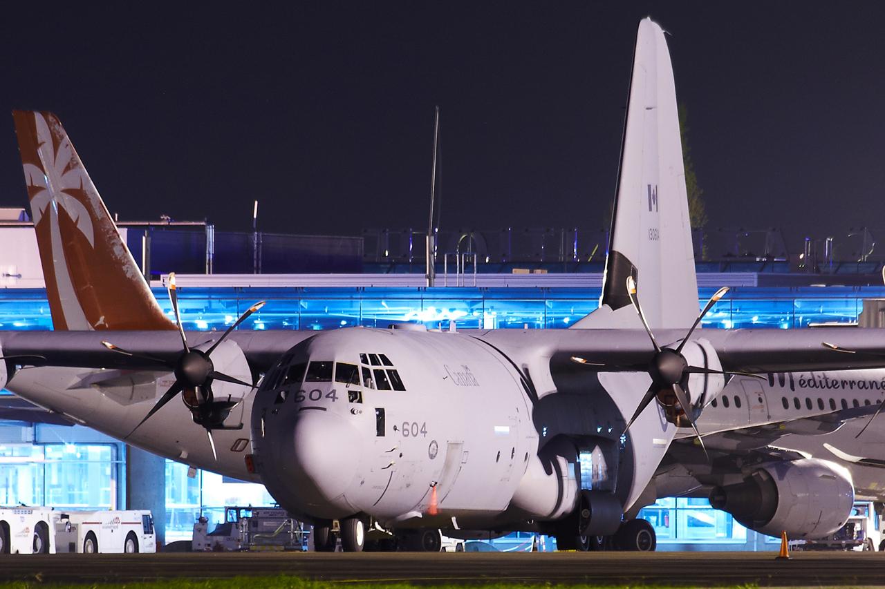 [14-15/11/2013] Lookheed Hercules C130J (130604) Canada Air Force Xw2p