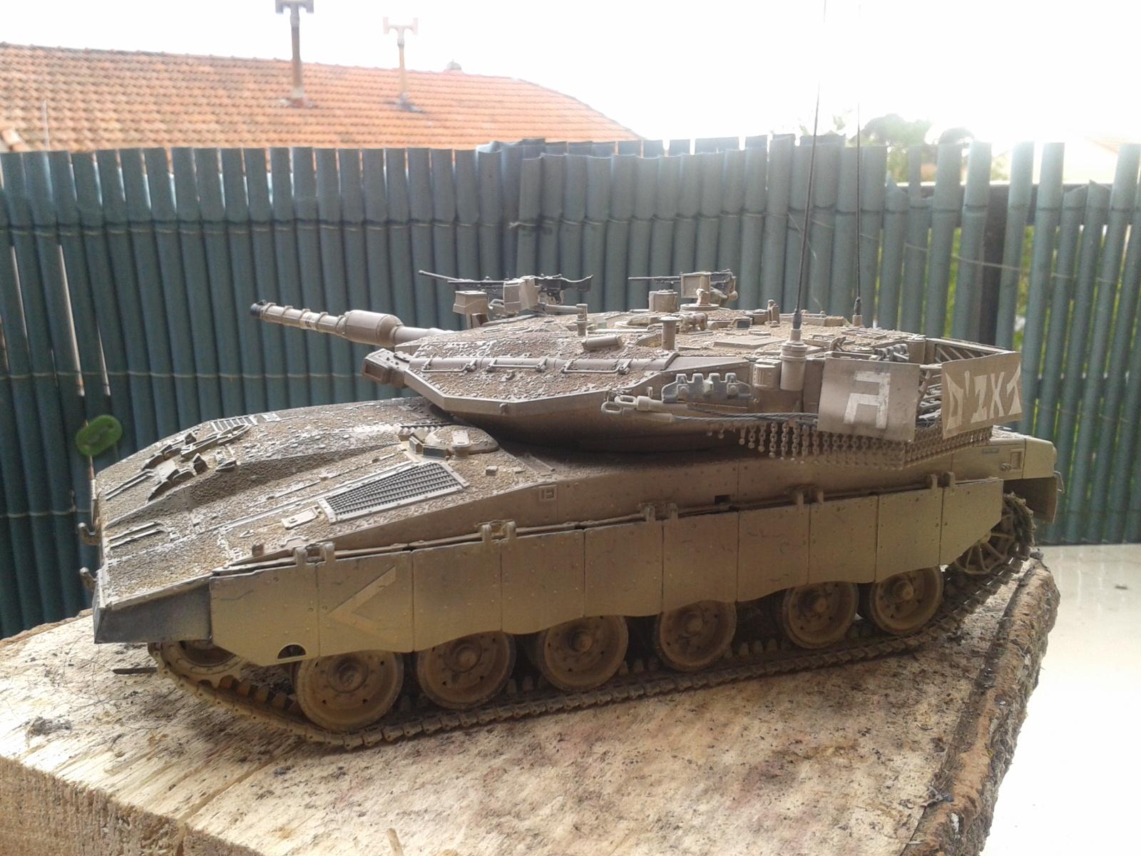 IDF MERKAVA MK.3D EARLY au 1/35 By Meng.....Terminer !!!! et sur son dio.... - Page 2 20130402175539