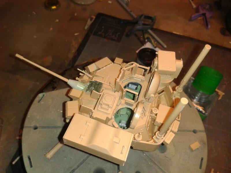 Bradleys M2A3 w/Busk III Meng 1/35 by T-Bird....Terminer !!!!! Da2q