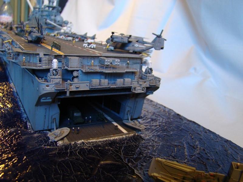 USS WASP LHD-1 1/350 Revell  Dsc09159y