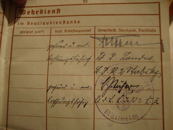 Traduction militarpass et wehrpass d'un suisse ayant combattu pour les allemands Dsc02073c