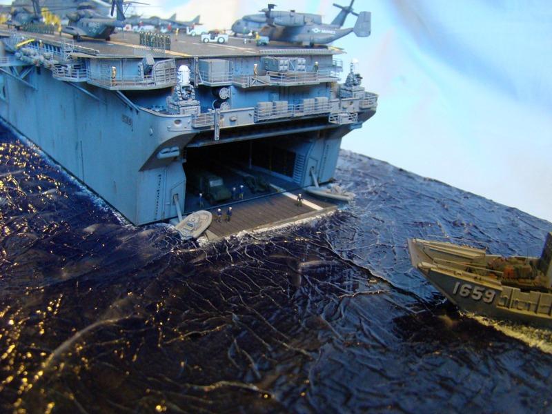 USS WASP LHD-1 1/350 Revell  Dsc09158y