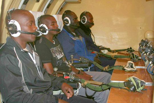 Armée Ougandaise/Uganda Peoples Defence Force (UPDF) - Page 2 20121022004