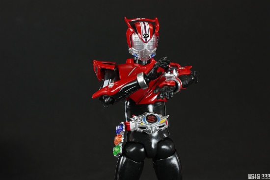 [Review] S.H. Figuarts Kamen Rider Drive type SPEED 5rVfC0