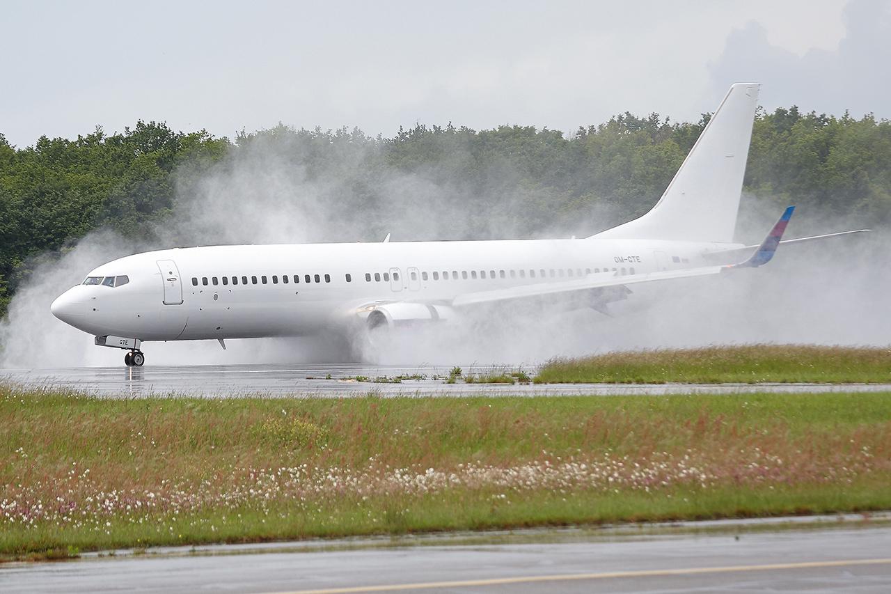 [22/05/2016] Boeing 737-800 (OM-GTE) Go2Sky 4tohAF