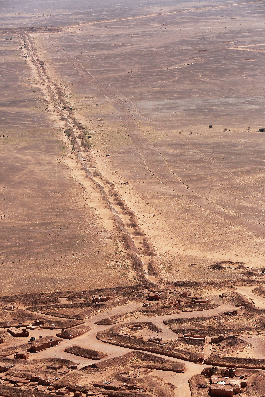 la ceinture de sécurité au sahara marocain - Page 14 OTtlQ3