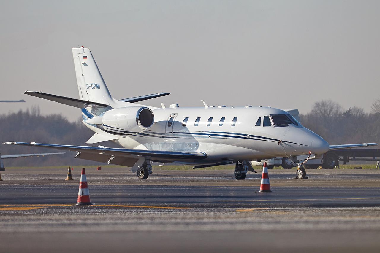 [BIZ JETS] L'Aviation d'Affaires de 2017...   0nC2yn