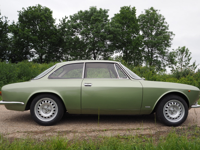 bertone GT 1300 Junior - 1973 - Vert Olive 0CXARx