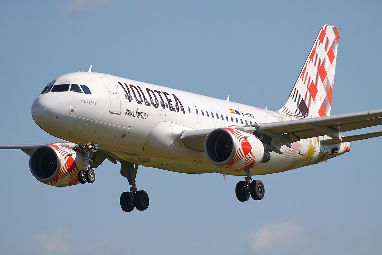 """[10/04/2016] Airbus A319 (EI-FMU) Volotea """"Veni, Vidi, Volo"""" 5tI08h"""