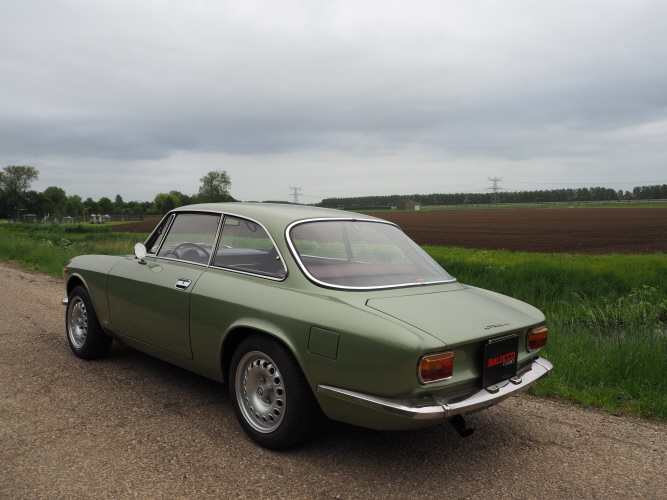 bertone GT 1300 Junior - 1973 - Vert Olive BKDxJa