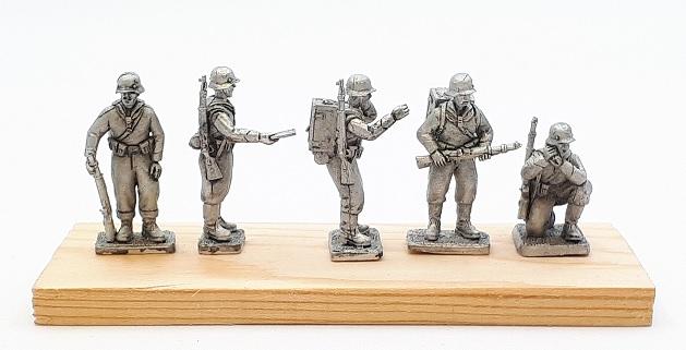 A new Kreigsmarine pack from Under Fire Miniatures. Mu8Src