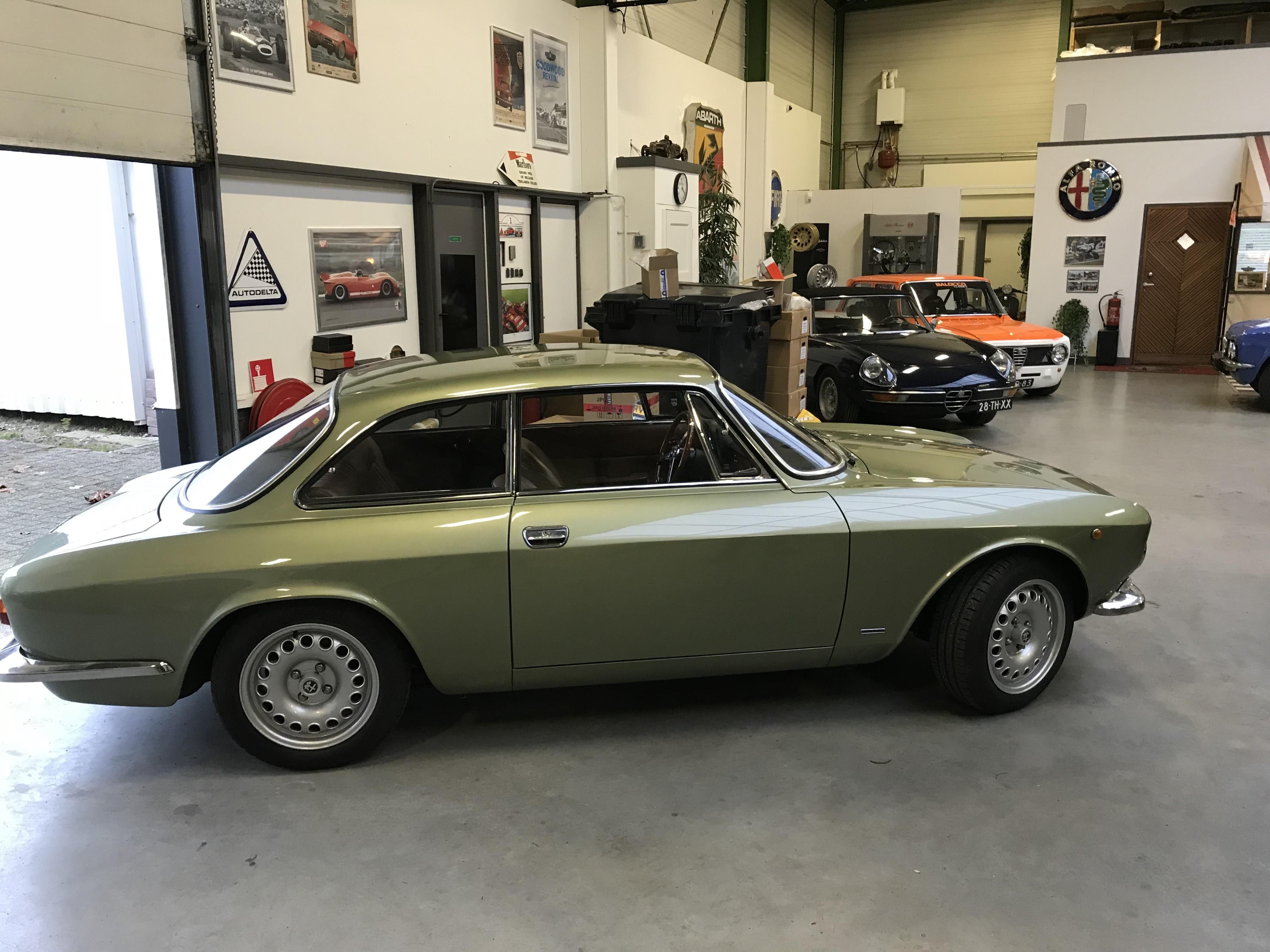 bertone GT 1300 Junior - 1973 - Vert Olive Uo7k0N