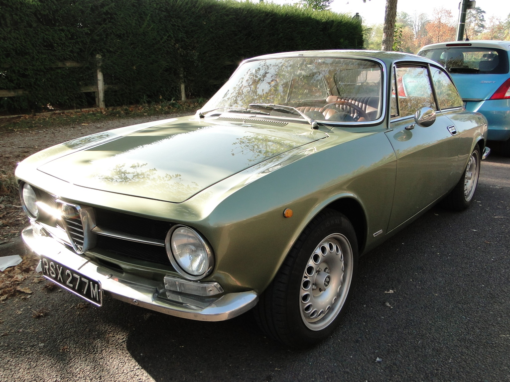 bertone GT 1300 Junior - 1973 - Vert Olive E6xIdx