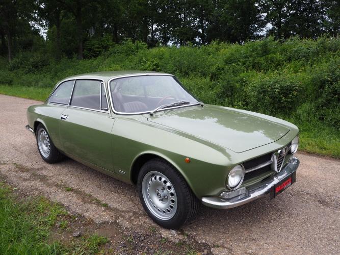 bertone GT 1300 Junior - 1973 - Vert Olive WJCDAn