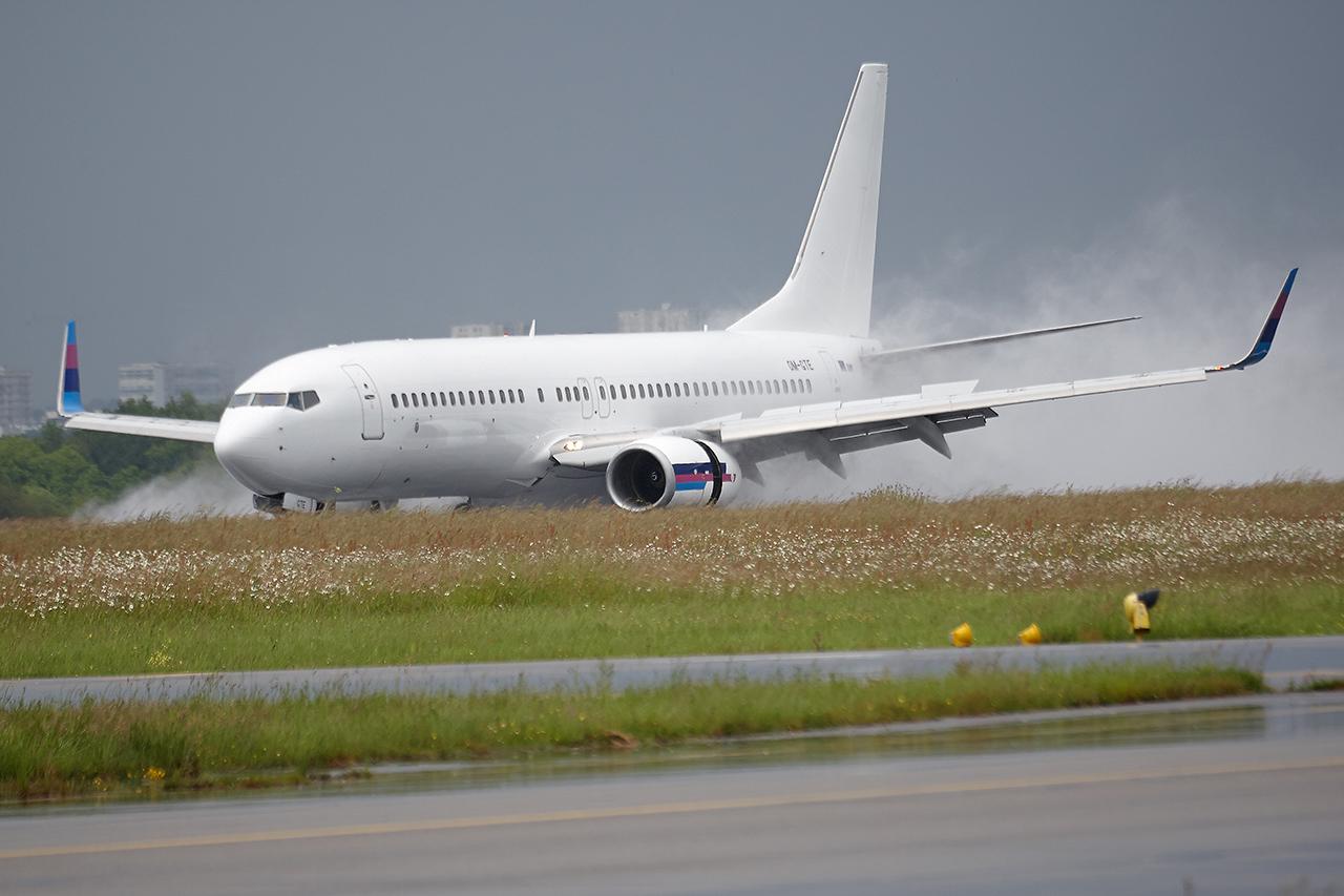 [22/05/2016] Boeing 737-800 (OM-GTE) Go2Sky C6FUWE