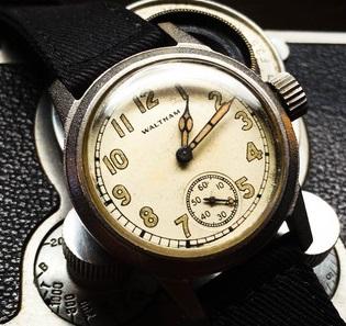 Alan Grant's Wristwatch In JP1 P6q0iA